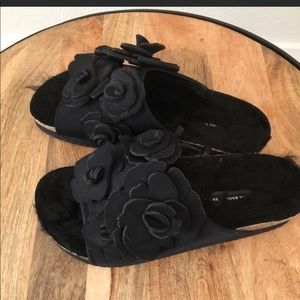Zara Flat black sandals with floral sz:7.5